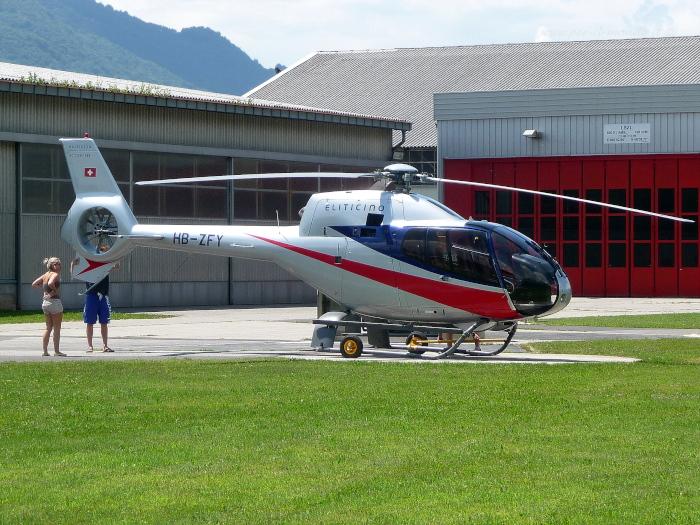 Elicottero Caduto Oggi : Albania cade elicottero società italiana pilota ferito