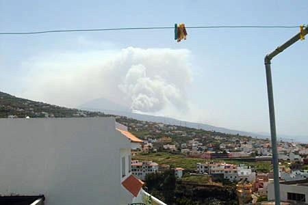 Incendio a Tenerife visto da Santa Ursula