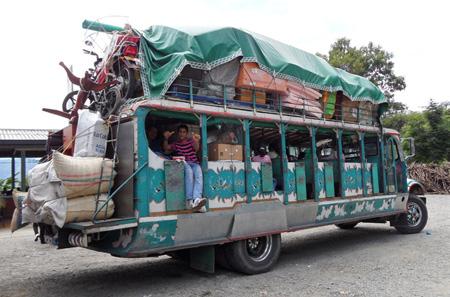 Chiva, bus tradizionale colombiano
