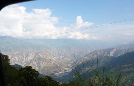 Paesaggio del passo da San Gil a Bucaramanga, Colombia