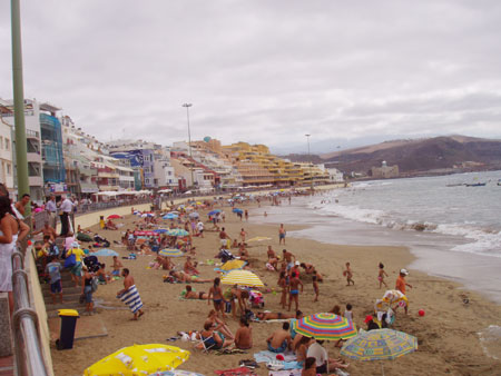 Playa de las Canteras - lunga spiaggia in Las Palmas de Gran Canaria