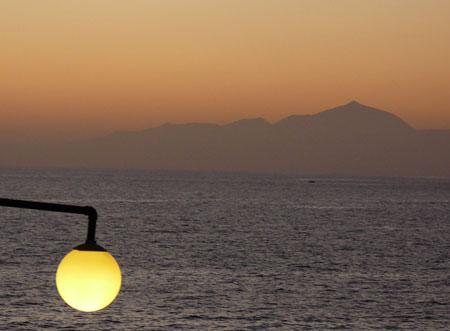 Tramonto con vista al Teide dal sud di Gran Canaria